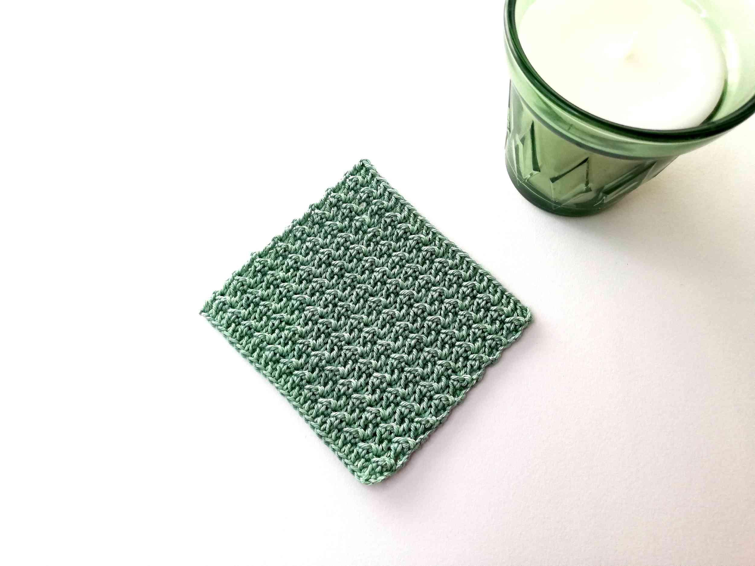 Free pattern: crochet coaster Floret